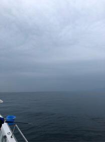 雲行きも怪しくなってきました